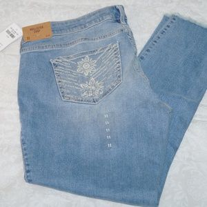New Hollister Women crop jeans Distressed Size 11